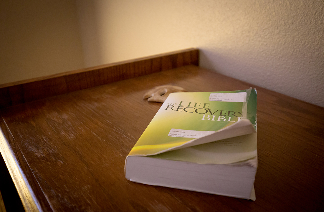 Many substance-abuse treatment facilities incorporate the 12-step recovery model. (Photo by Ryan Dent/Cronkite News)