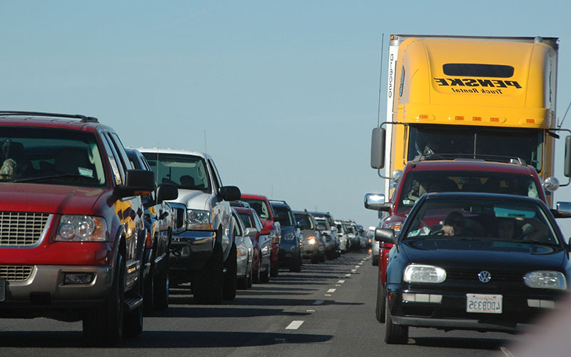 The cost of traffic jams in Phoenix and Tucson traffic averaged more than $1,000 per commuter when gas, wasted time and trucking were figured in. Still, neither city was in the top 10 nationally. (Photo by Ernesto Andrade via flickr/Creative Commons)