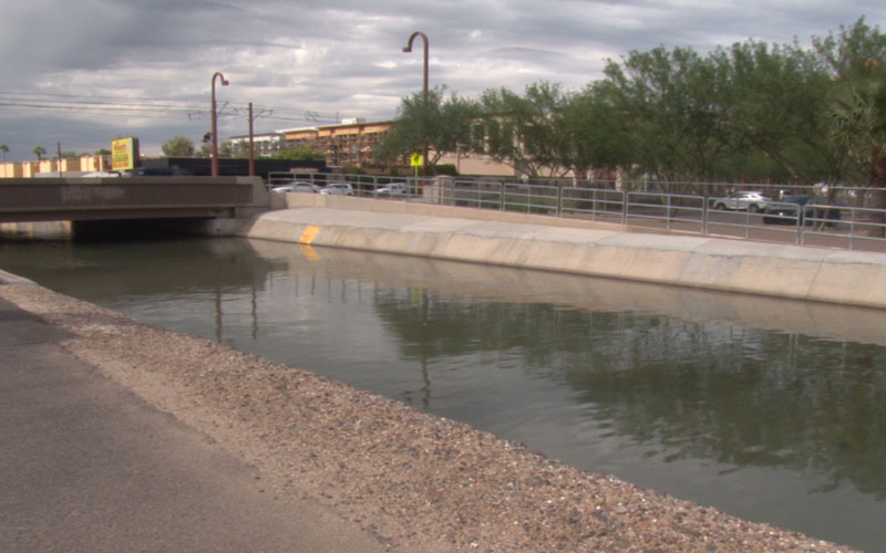 The north side of the Grand Canal in Phoenix is awaiting a beautification project. The $4.9 million Grand Canalscape is designed to improve pedestrian pathways and tie the canal system into neighborhoods. (Photo by Eboni Johnson/Cronkite News)