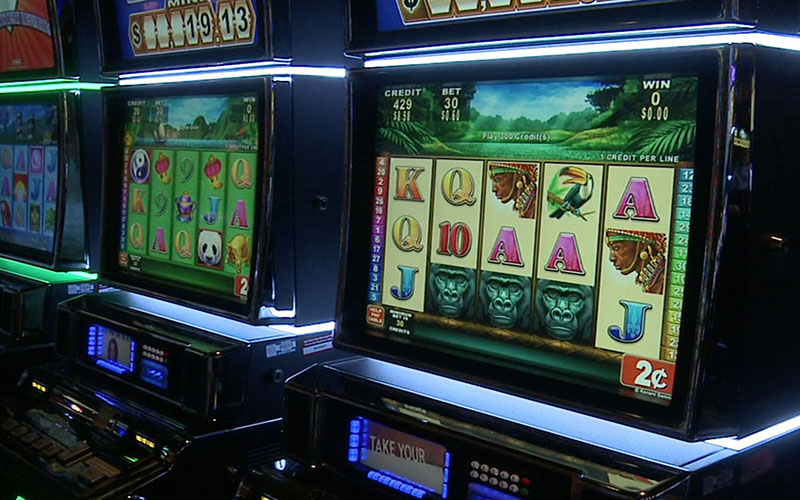 Casinos were among the state's larger industries in terms of income in 2011, when this picture was taken, operating 14,451 slot machines and more than 500 blackjack, poker and other gaming tables at the time. (Photo by Cronkite News)