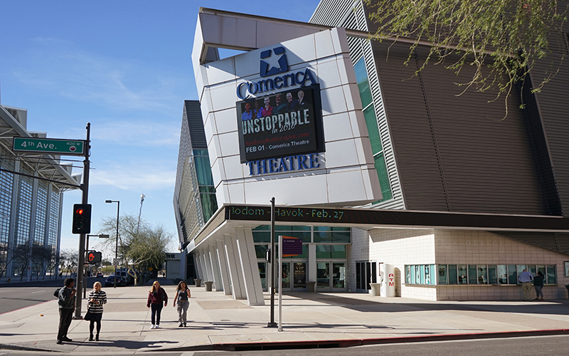 The Comerica Theatre in Phoenix recently featured professional speakers Tony Robbins and Lisa Nichols, as well as Arizona resident Dean Graziosi. (Photo by Travis Arbon/Cronkite News)