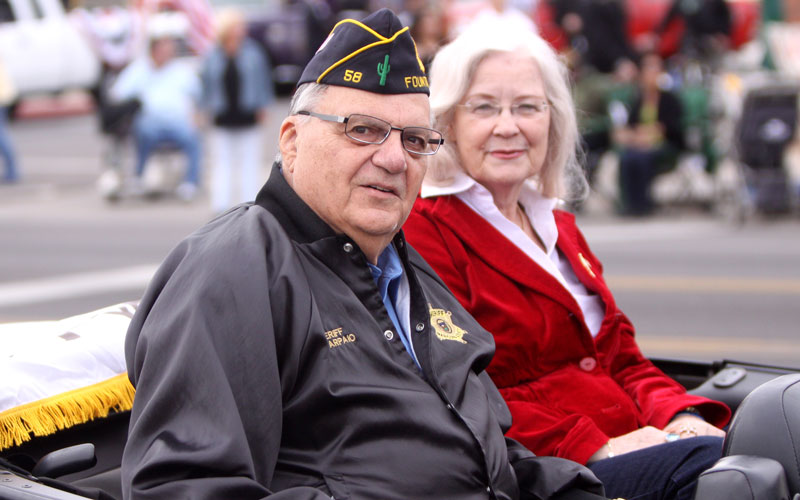 Maricopa County Sheriff Joe Arpaio and his wife Ava at the 2011 Veterans Day parade in Phoenix. Arpaio says he would like to meet with Pope Francis during his one-day stop in Ciudad Juarez. (Photo by Wikimedia Commons)