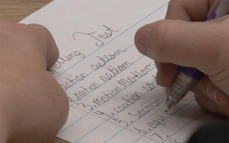 A new bill would make cursive writing mandatory in Arizona schools. (Photo by Amanda Kukkola/Cronkite News)