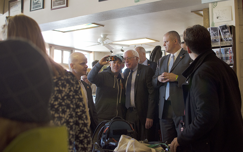 Democratic presidential hopeful Bernie Sanders makes a surprise visit to Macy's European Coffeehouse and Bakery in downtown Flagstaff on the morning of the Arizona presidential preference election. (Photo courtesy of Gabriel Radley)