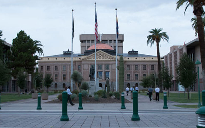 Arizona may have another important decision to make on the ballot come November. This one might set a new minimum wage for the state. (Photo by Emily Achondo/Cronkite News)