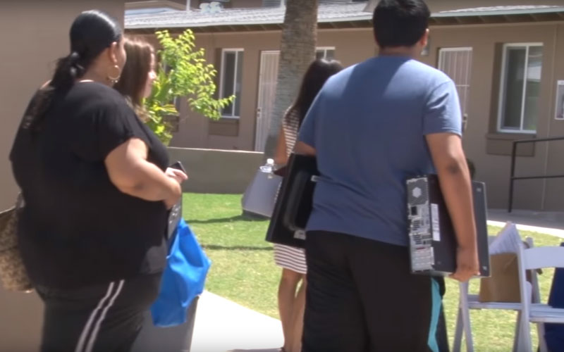 HUD's ConnectHome initiative helps students and their families get connected. (Photo by Amanda Kukkola/Cronkite News)
