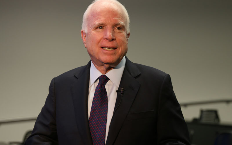 Sen. John McCain at an Iconic Voices event held at the Cronkite School in 2016. (Photo by Cronkite News)