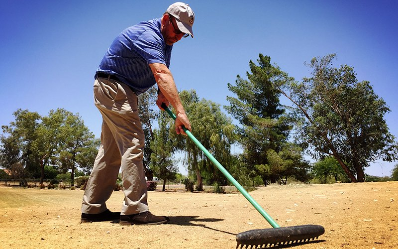 dry golf course shut down to save money on water