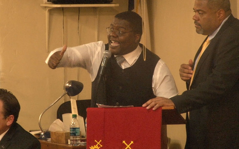 The Rev. Reginald Walton spoke at a Black Lives Matter meeting where some of the 500 who attended asked Phoenix officials questions about police relationships with residents. (Photo by Cooper Gardner/Cronkite News)