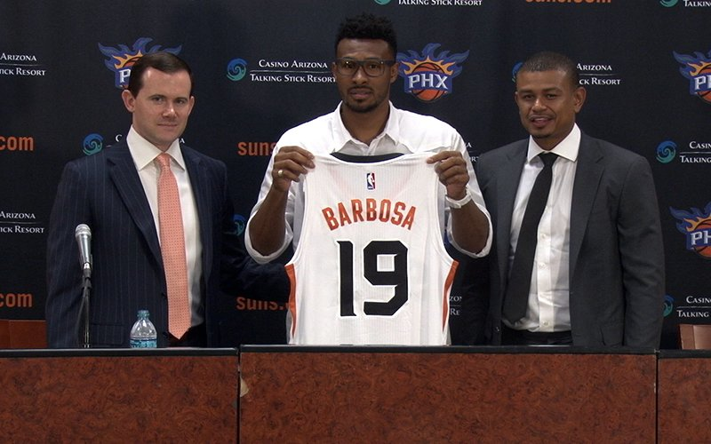 e5370e3b0 New Suns player Leandro Barbosa is introduced Tuesday at a news conference  by Phoenix coach Earl Watson