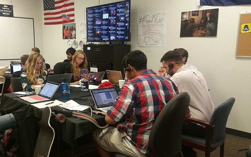 McCain interns work all afternoon making calls and securing support for the senator. (Photo by Socorro Carrillo/Cronkite News)