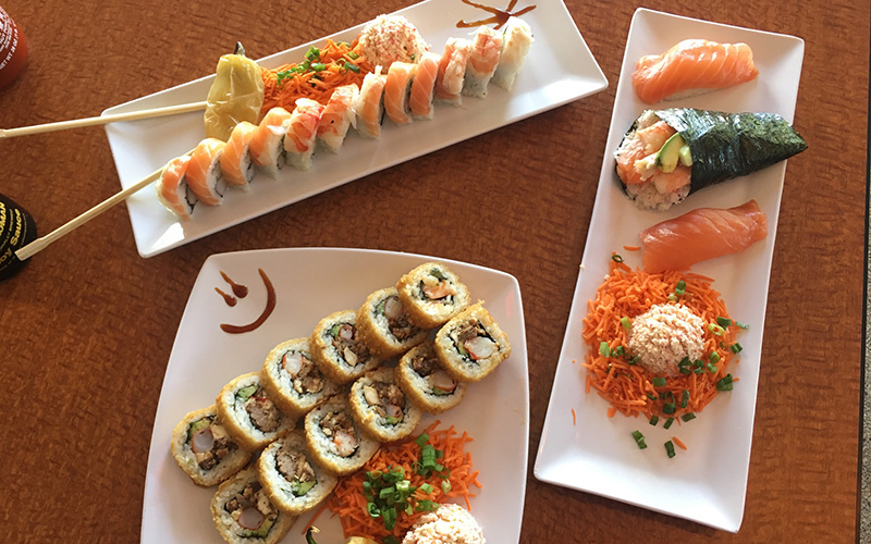 Mexican sushi restaurants blend traditional Japanese ingredients like rice and seaweed with cooked steak, chicken and a variety of spicy Mexican sauces. (Photo by Yeimi Flores/Cronkite News)