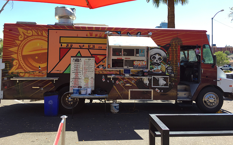 La Paz taco truck in downtown Phoenix is one of the businesses registering voters. (Photo by Yeimi Flores/Cronkite News)
