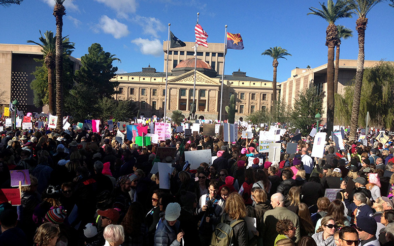 Marchers packed grounds at the Arizona State Capitol, held in solidarity with the Women's March on Washington. (Photo by Saundra Wilson/Cronkite News)