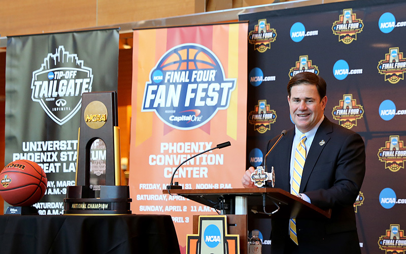 Arizona Governor Doug Ducey speaks to media members at the Phoenix Convention Center on Jan. 25, 2017. (Photo by Nicole Praga/Cronkite News)