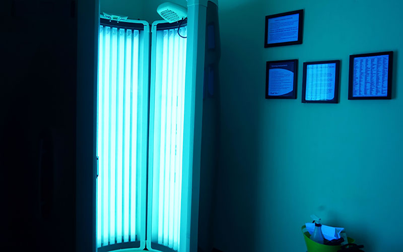 Legislation has been proposed to ban the use of tanning beds by minors. Indoor devices, much like the one pictured here, would be prohibited for those 18 and younger. (Photo by Lexi Hart/Cronkite News)