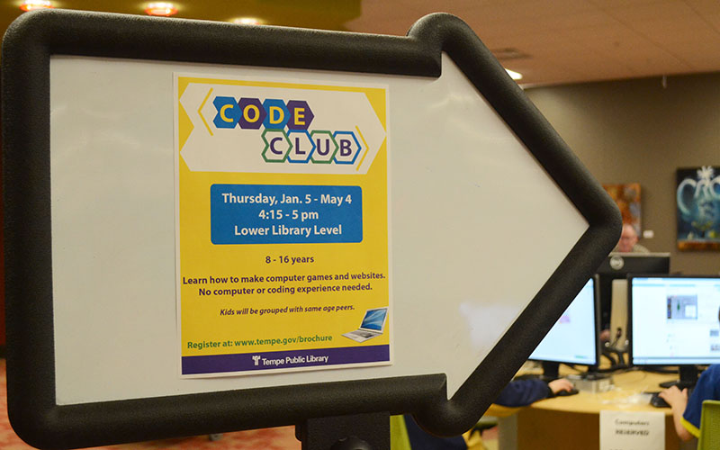 A sign promoting the code club at Tempe Public Library on January 26, 2017. (Photo by Emily Balli/Cronkite News)