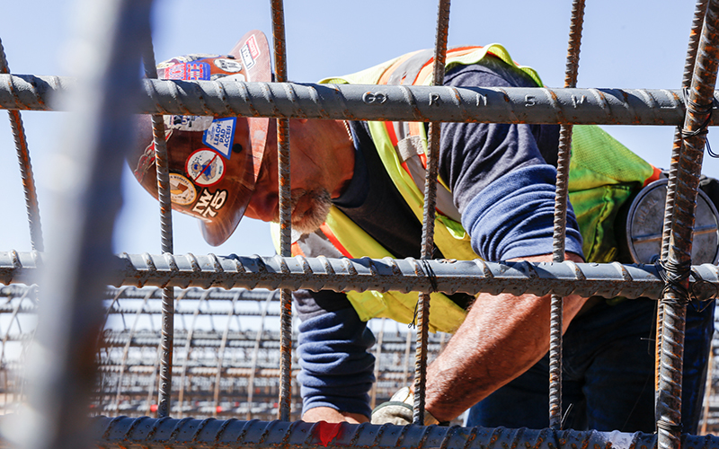 How Arizona's outdoor workers stay safe in the heat