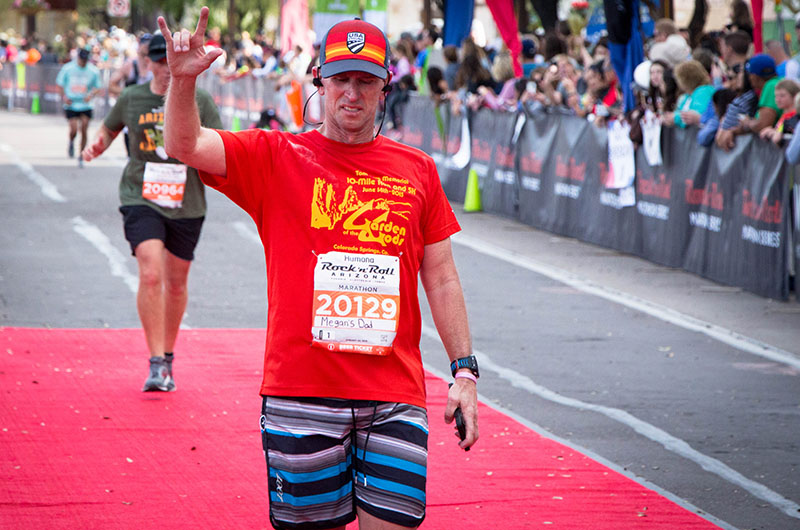 Year after daughter's stroke, father ran marathon
