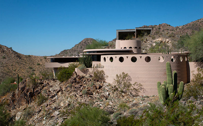 Frank Lloyd Wright house, once listed for $2.6 million, headed for auction
