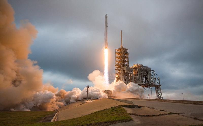 Final Inspiration4 space crew includes Phoenix explorer, entrepreneur
